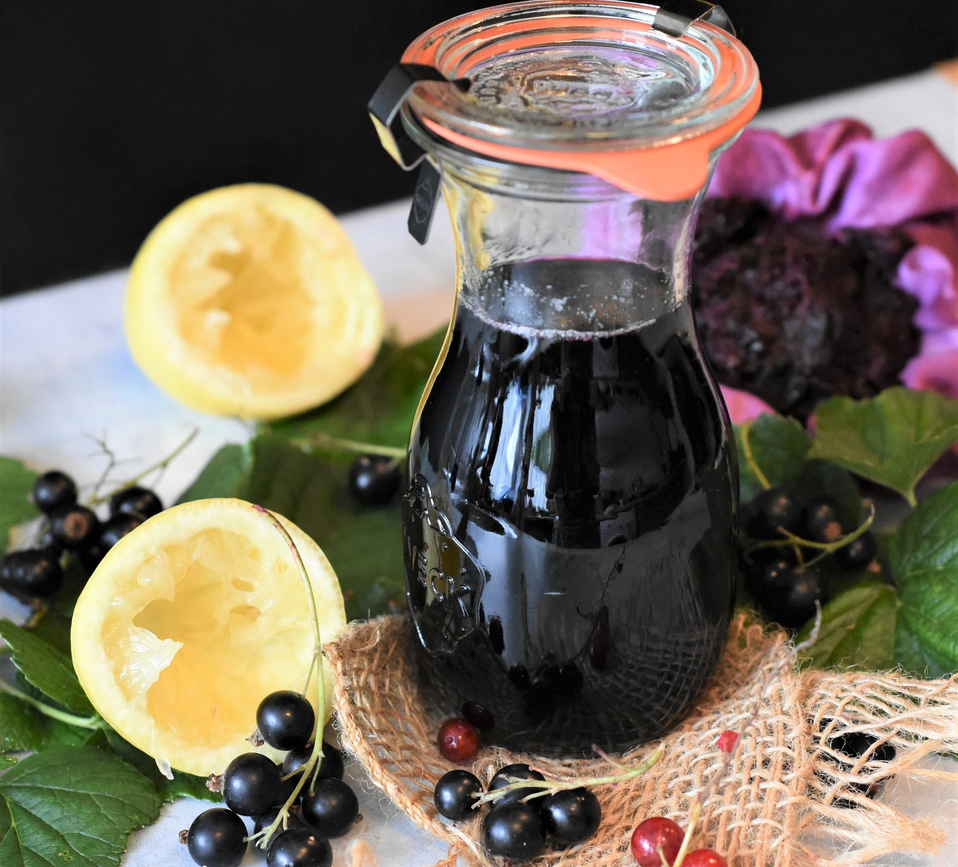 Jak zrobić wino z czarnych porzeczek - przepis