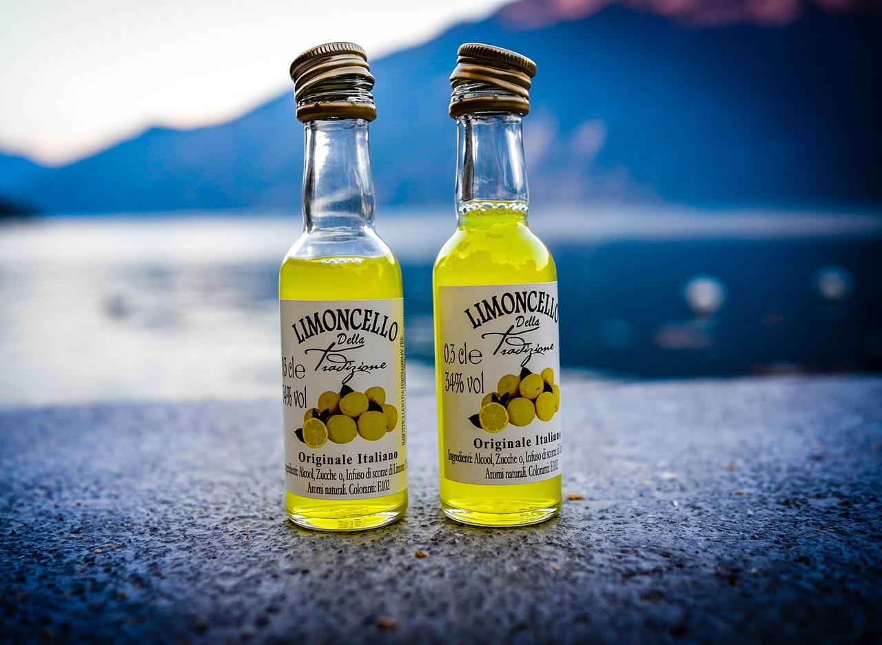 Likier Limoncello - przepis na cytrynowy likier neapolitański