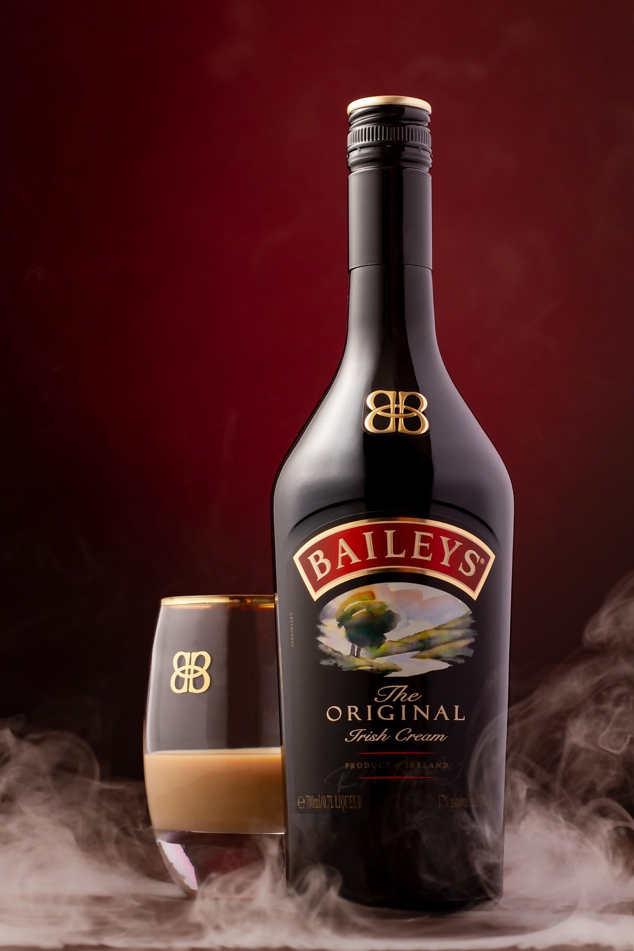 Domowa wersja irlandzkiego alkoholu – przepis na Baileys likier